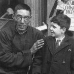 上海卖报人和小犹太难民